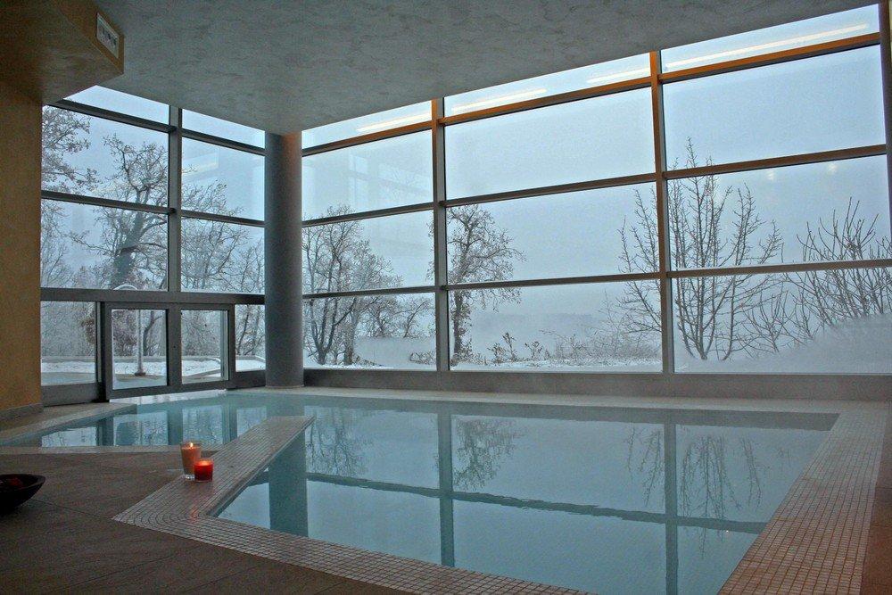 Piscine interrate per centri benessere wellness creation - Piscine interne in casa ...